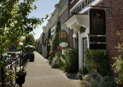 Shopping wine tour in Jordan Village at Cave Springs Winery